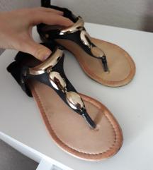 2 Para sandala za 900