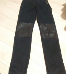 H&M Pantalone sa koznim delovima