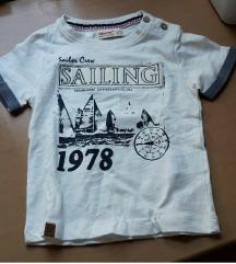 Nova majica sa etiketom za decake