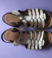 Okaidii sandale