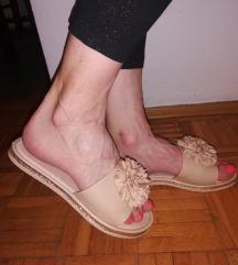 Prelepe papuce kao NOVE