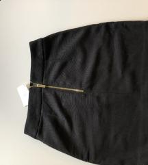 nenošena Armani suknja