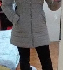 Krem jakna odlična