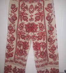 ZARA tri četvrt pantalone sa vezom