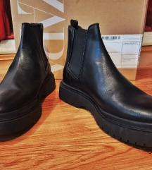 Zara muške chelsea cipele  42
