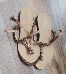 Prelepe sandale sa kristalima