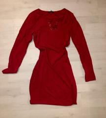 Crvena sportska haljina