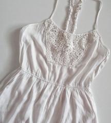 Stradivarius romanticna haljina sa vezom