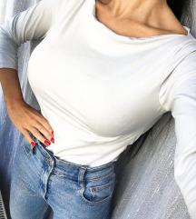 Terranova bluza uz telo