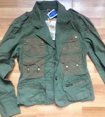 Sa etiketom, sako-jaknica, SNIZENO na 500 din