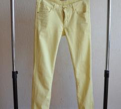 Limun žute pantalone