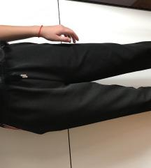 Crne pantalonice
