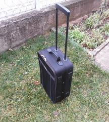 kofer gress besplatna dostava
