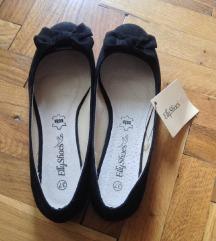 NOVE crne cipele-baletanke