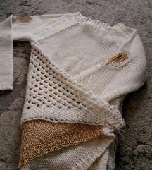 Džemper sa zlatnim detaljima, vel. S