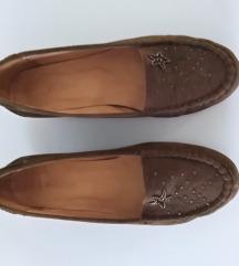 Maslinasto zelene zenske cipele od antilopa