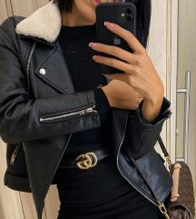Bershka jakna sa krznom koje se skida