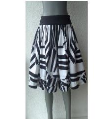 crno bela suknja broj M ZARA BASIC