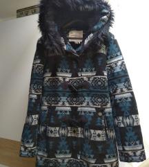 Attrativo kaput zimski