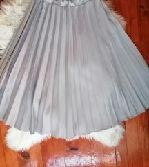 Plisirana suknja srebrna