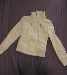 42. Stradivarius jakna sa ruskom kragnom, bela