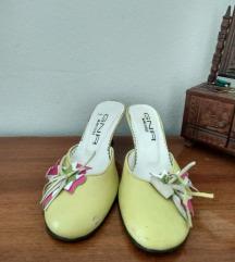 papuce na malu stiklu :GnR made in Milano