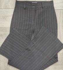 Crne elegantne pantalone  vel 38 visok struk