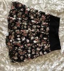 Rascvetana lepršava crna suknjica <3