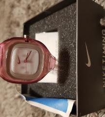 ORIGINAL NIKE sat roze boje SNIZENO