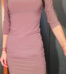 Atraktivna haljina boje čokolade sa lancima