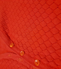 Koralno crveni dzemperic