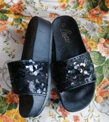 Sljokicave papuce, platformea!