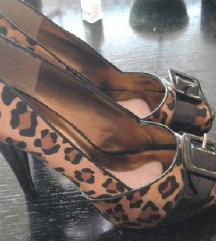 Paris Hilton savrsene cipele