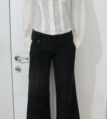 Jednom nosene crne pantalone,zvonaste XS