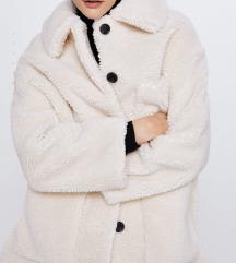 Nov sa etiketom kaput Zara
