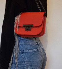 Nova crvena torbica sa lancem, 19x16