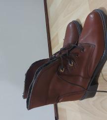 Čizme braon, postavljene, broj 41