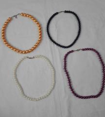 4 biserne ogrlice - cena za sve