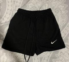 Nike sorts nenosen-novo