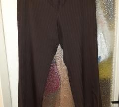 Zenske braon pantalone  na pruge