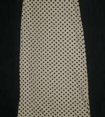 Dugacka bela haljina sa crnim tufnicama