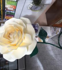 Ruža sa stalkom