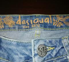 Desigual farmerice. Visok struk exotic jeans