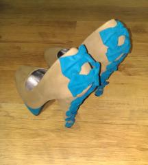Cipele na stiklu sa masnicama broj 39