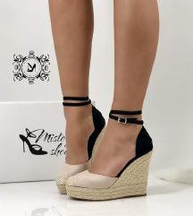 Sandale 35 SNIZEEEEEENE NA 1800