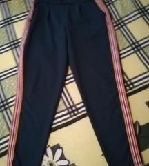 Sportske pantalone zelenkaste