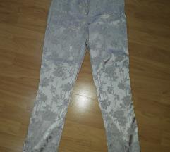 Duboke elegantne pantalone srebrne