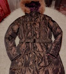 Duga kvalitetna zenska jakna sa postavom i krznom