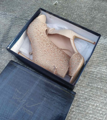 Nova zlatna cipela/sandala 40