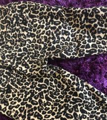 Nove pantalone animal print